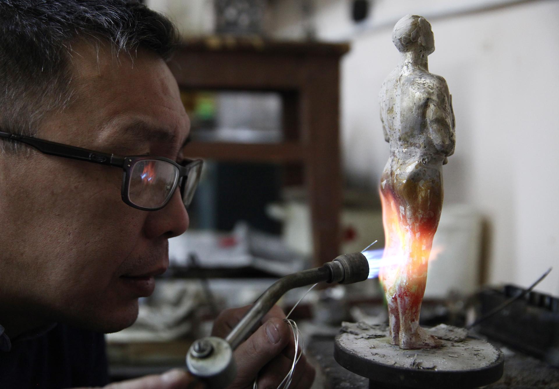 Fãs na Iakútia doaram joias para criar 'Oscar próprio' para o ator americano