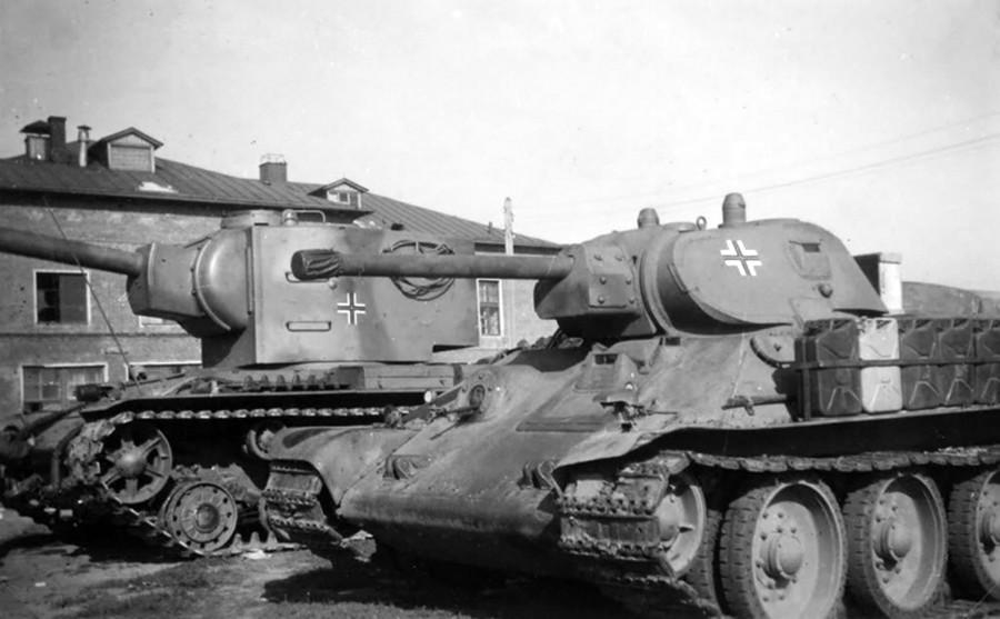 Resultado de imagen de tanques capturados por los alemanes