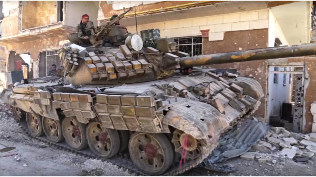 T-55MV z dinamično zaščito Kontakt-1 prav tako opravlja operacije v vzhodni Guti.