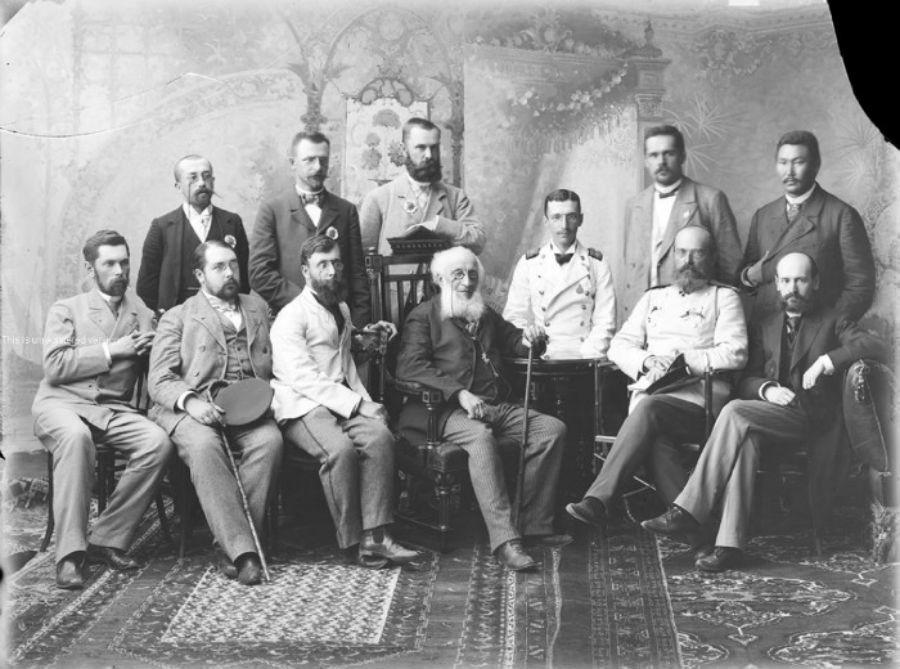 Portrait d'un groupe de participants de la foire
