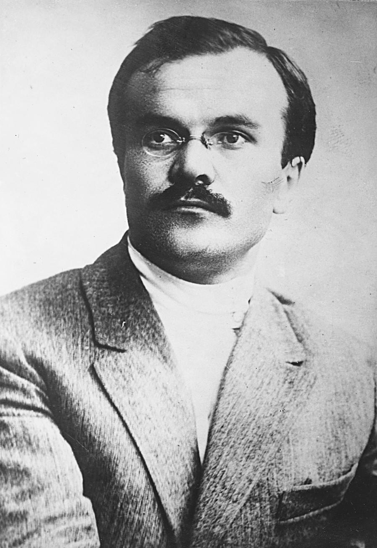 O jovem Mólotov durante a Revolução de 1917.