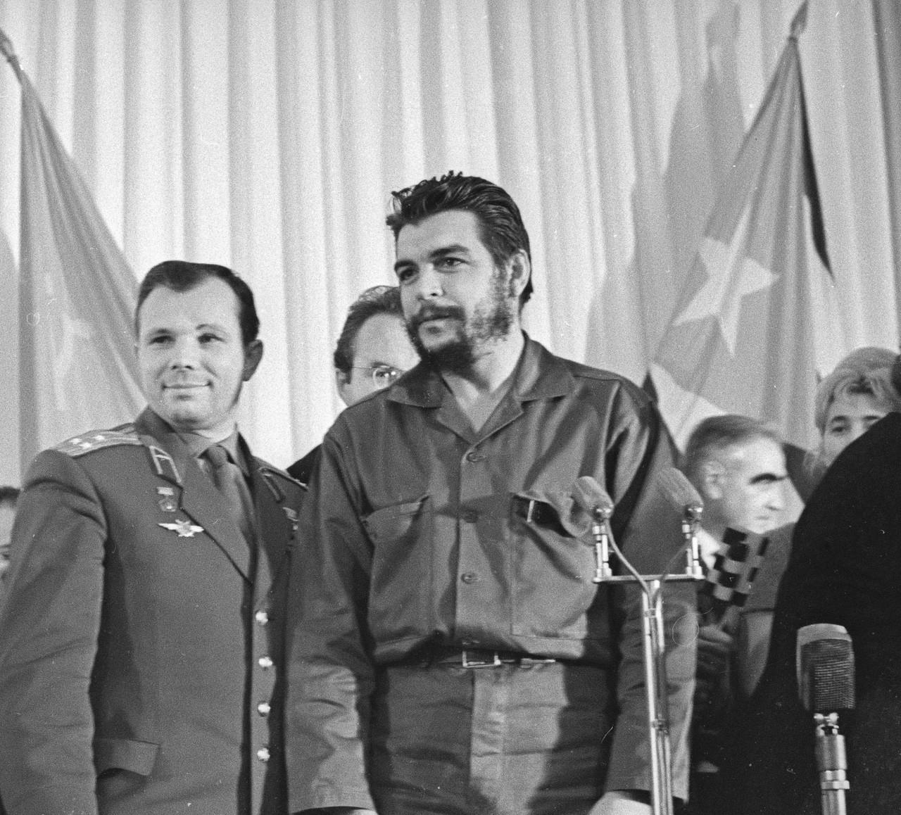 Yuri Gagarin y Ernesto Che Guevara, 11 de noviembre de 1964.
