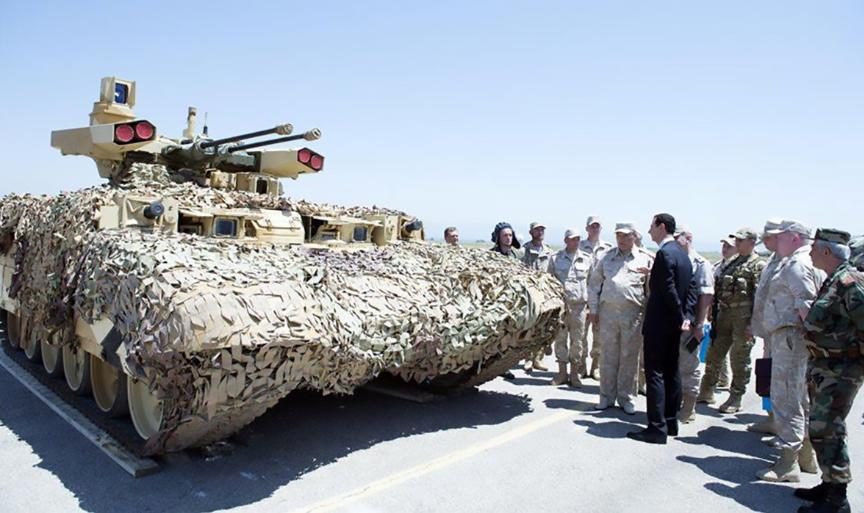 Bašar al-Asad v ruski bazi Hmejmim.