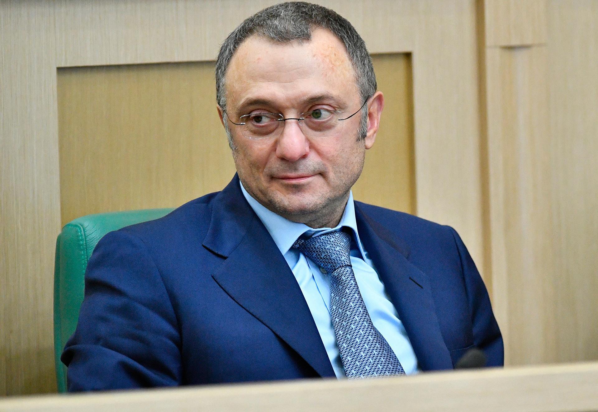 Suleiman Kerimov, o ex-dono do Anjí Makhatchkalá que esteve por trás de contratações esbanjadoras, como as de Willian e de Samuel Eto'o. Ele vendeu o clube em 2016.