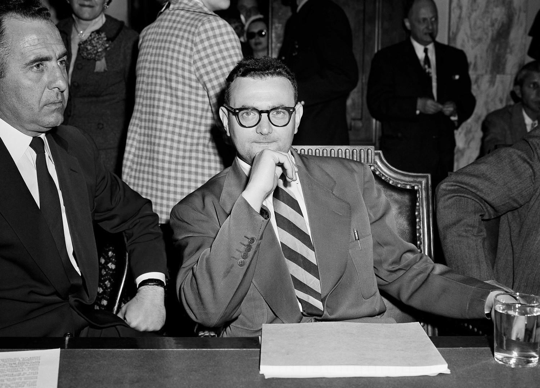David Greenglass, espião de segredos atômicos condenado que testemunhou contra a própria irmã, Ethel Rosenberg, e o marido dela, Julius.