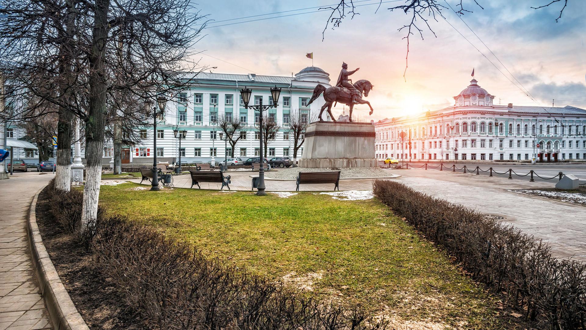 Il monumento dedicato a Mikhail Tverskoy nella città di Tver