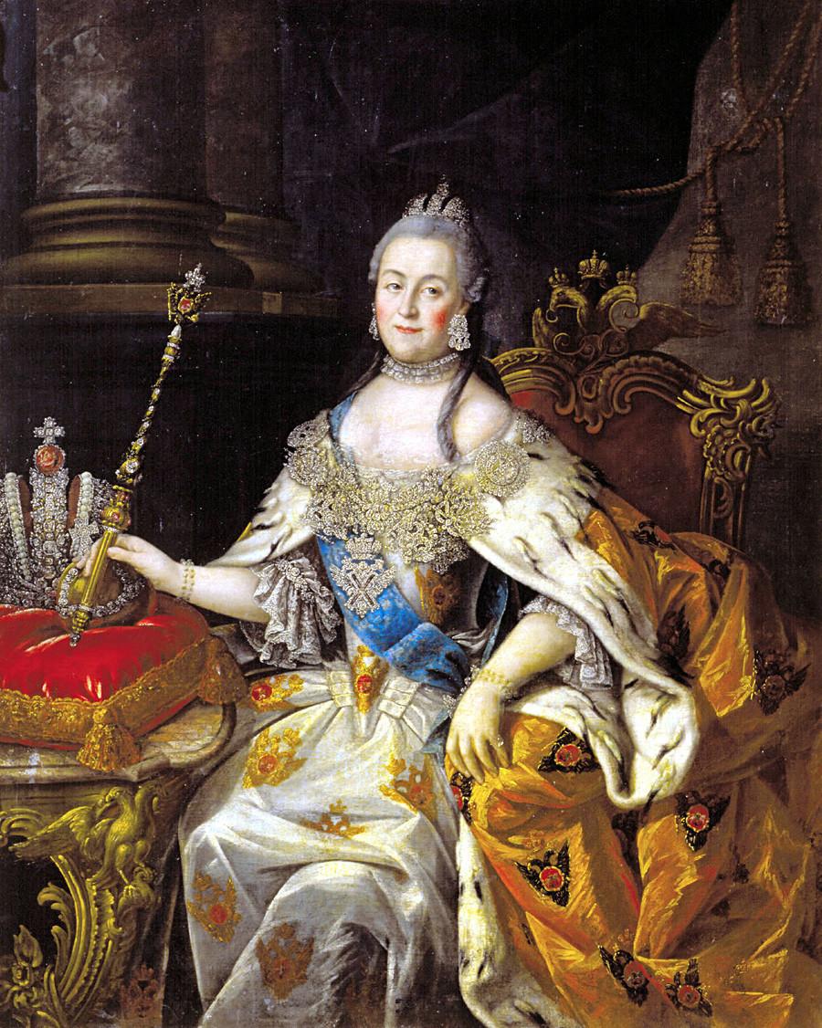 Catarina, a Grande, segura o cetro imperial. Retrato de Aleksêi Antropov, 1765.