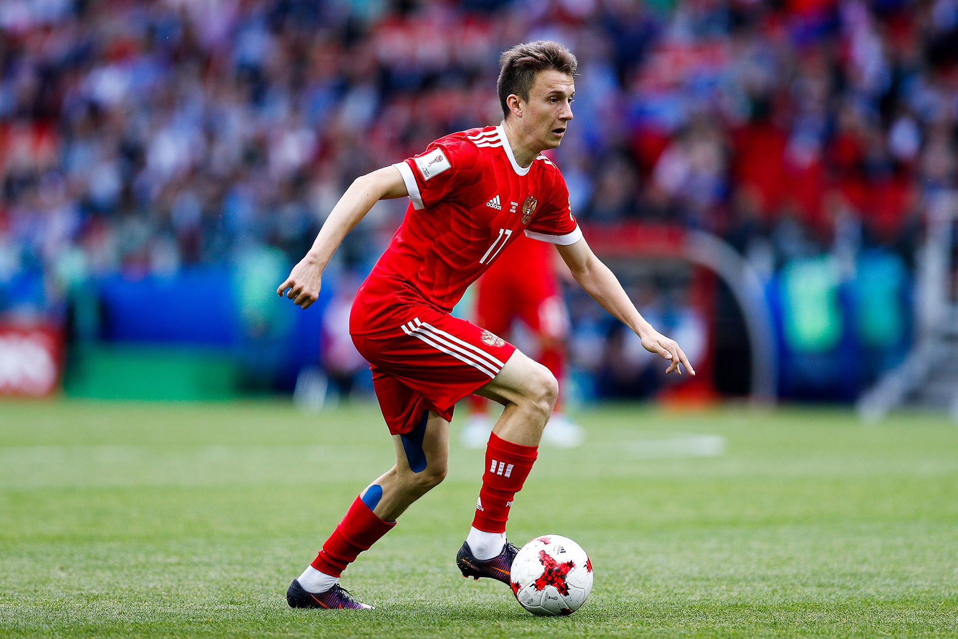 Golovín foi descoberto por olheiro do CSKA na Sibéria e agora está na mira de representantes de clubes europeus.