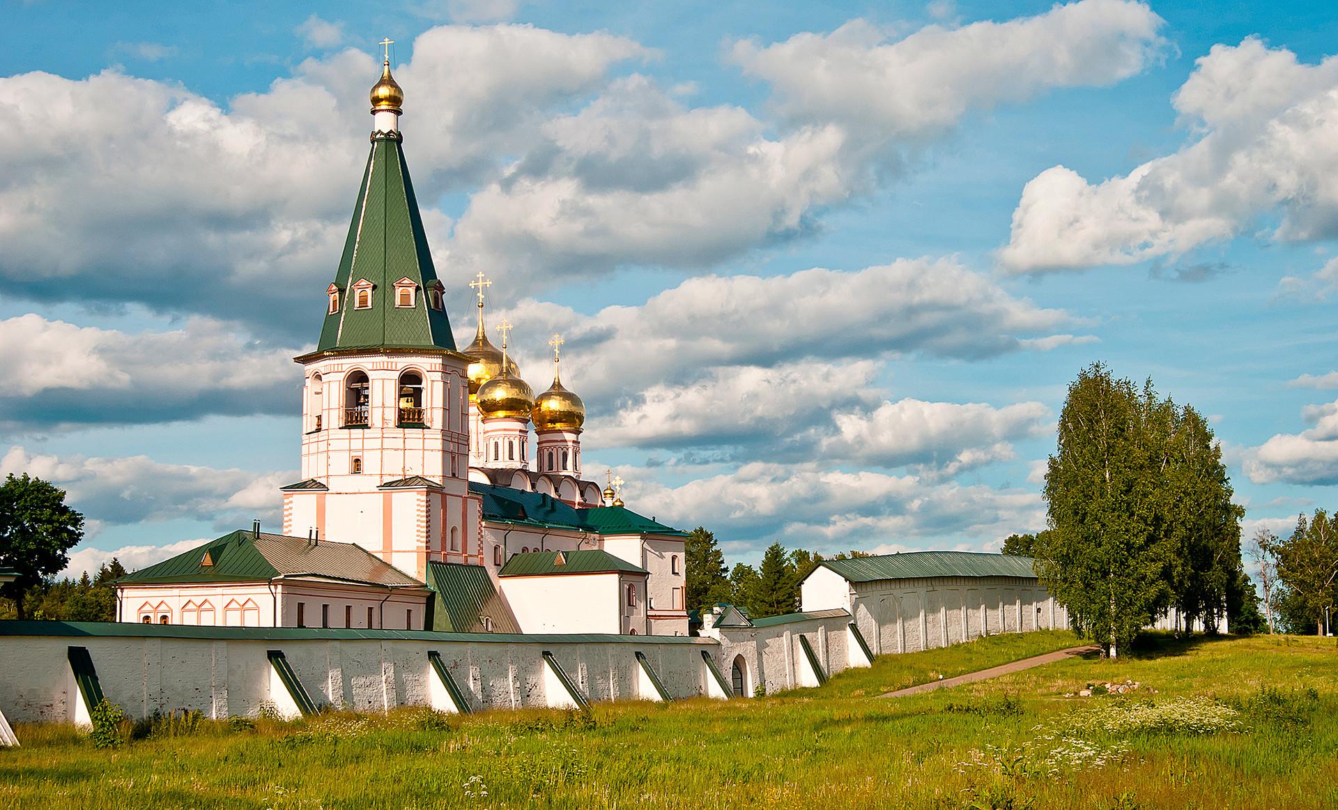 Monastère d'Iveron à Valdaï