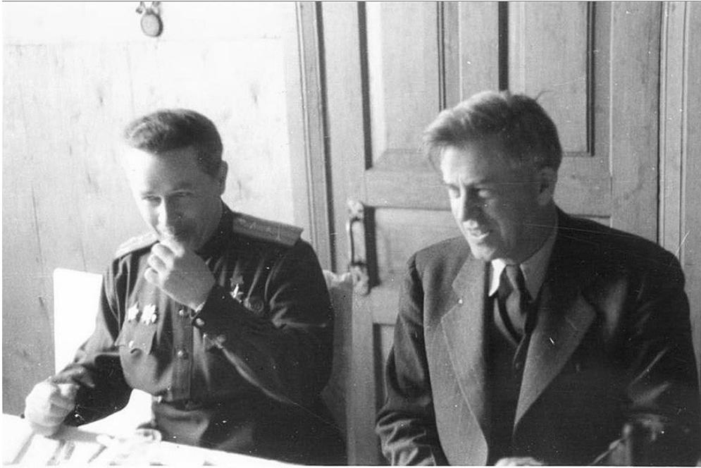 S polkovnikom Iljem Mazurukom 1944.