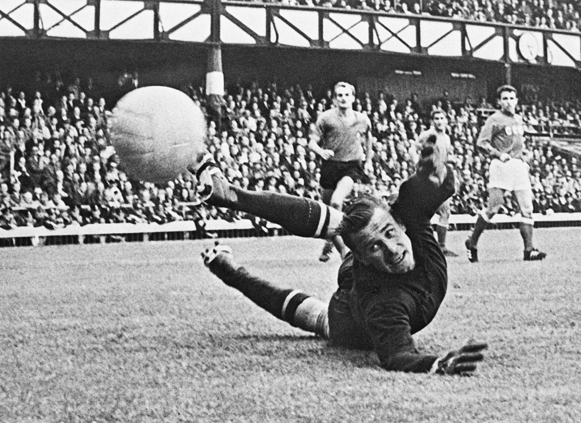 Yashin was famous for his acrobatic skills and reaction, as well as changing the pattern of goalkeeper's play.