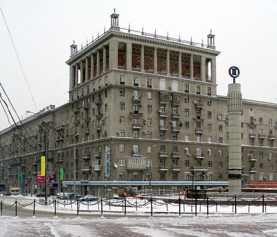 Immeuble de Dorogomilovo (actuelle perspective Koutouzovski), exemple de style impérial stalinien.