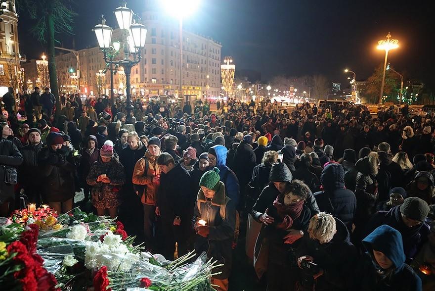 Spominska slovesnost na Puškinovem trgu v zvezi s požarom v mestu Kemerovo.