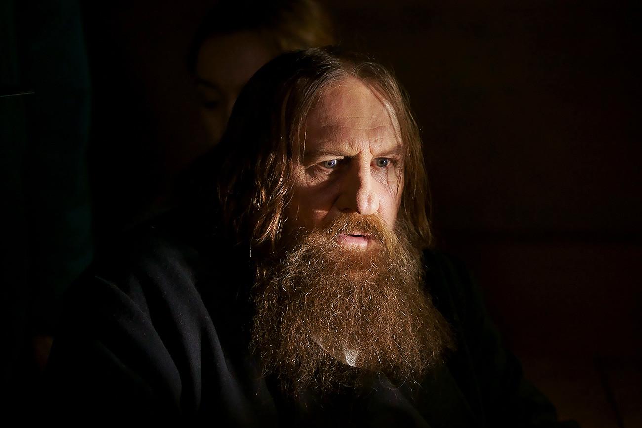 「ラスプーチン」映画でドパルデューはタイトルロールを演じている。