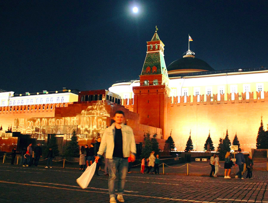 Red square is a good spot for a clandestine can, I find