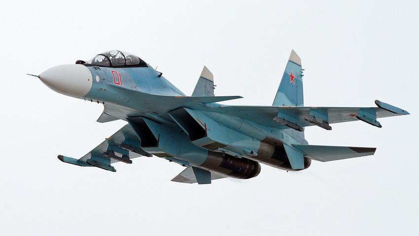 Caza multipropósito Su-30SM.