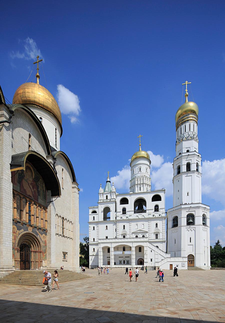 モスクワ・クレムリンの敷地内のソボルナヤ広場