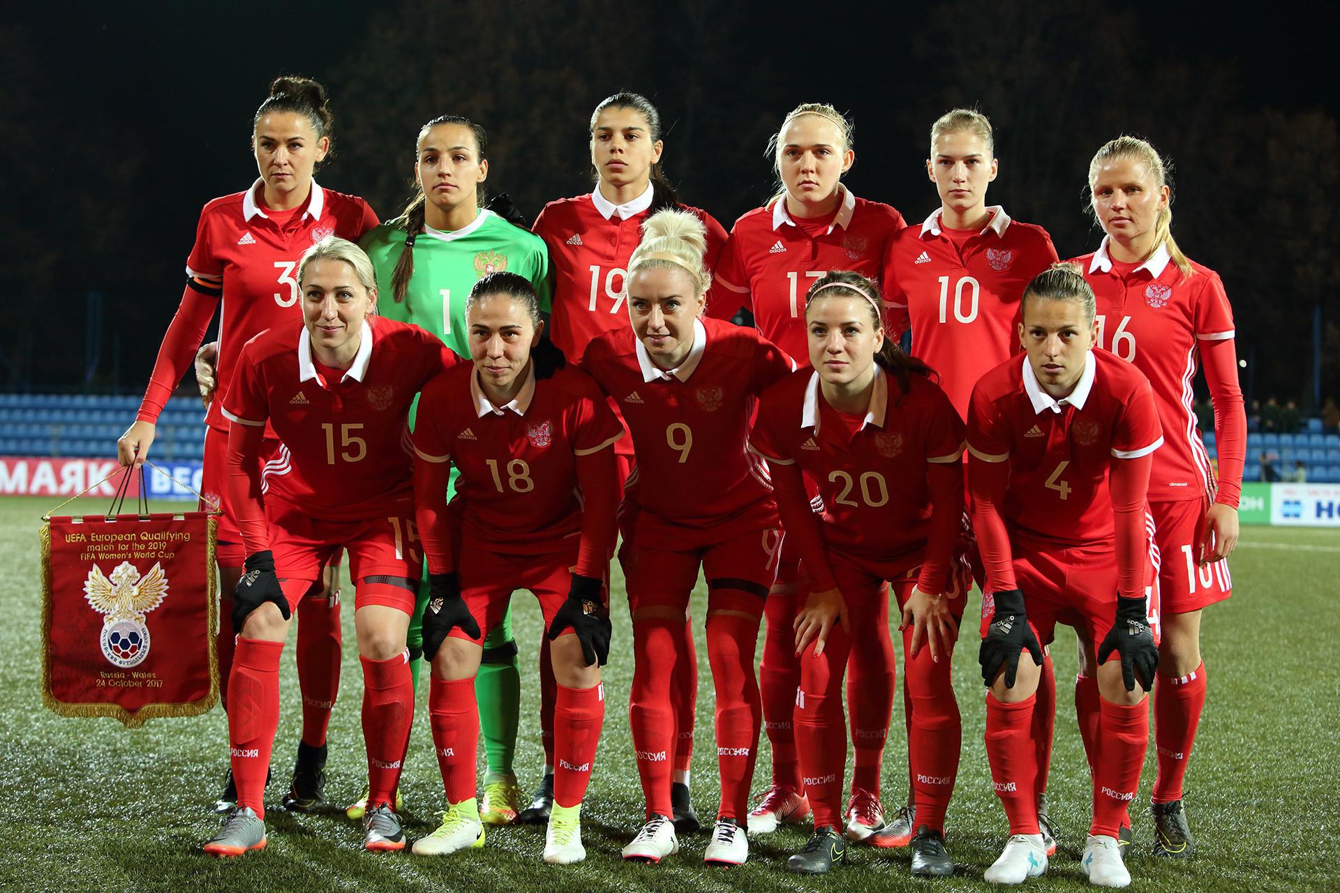 Timnas sepak bola wanita Rusia.