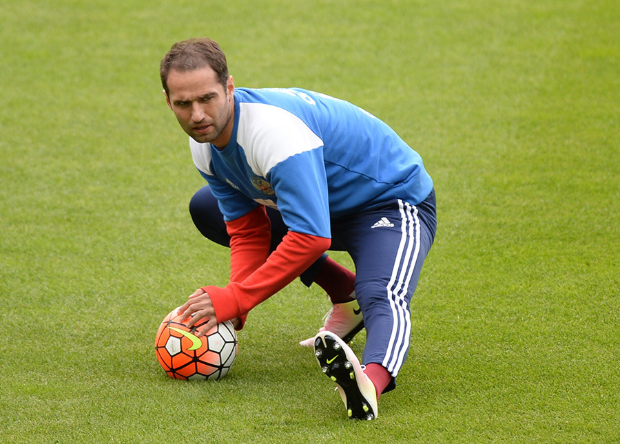 Roman Shirokov at a training session