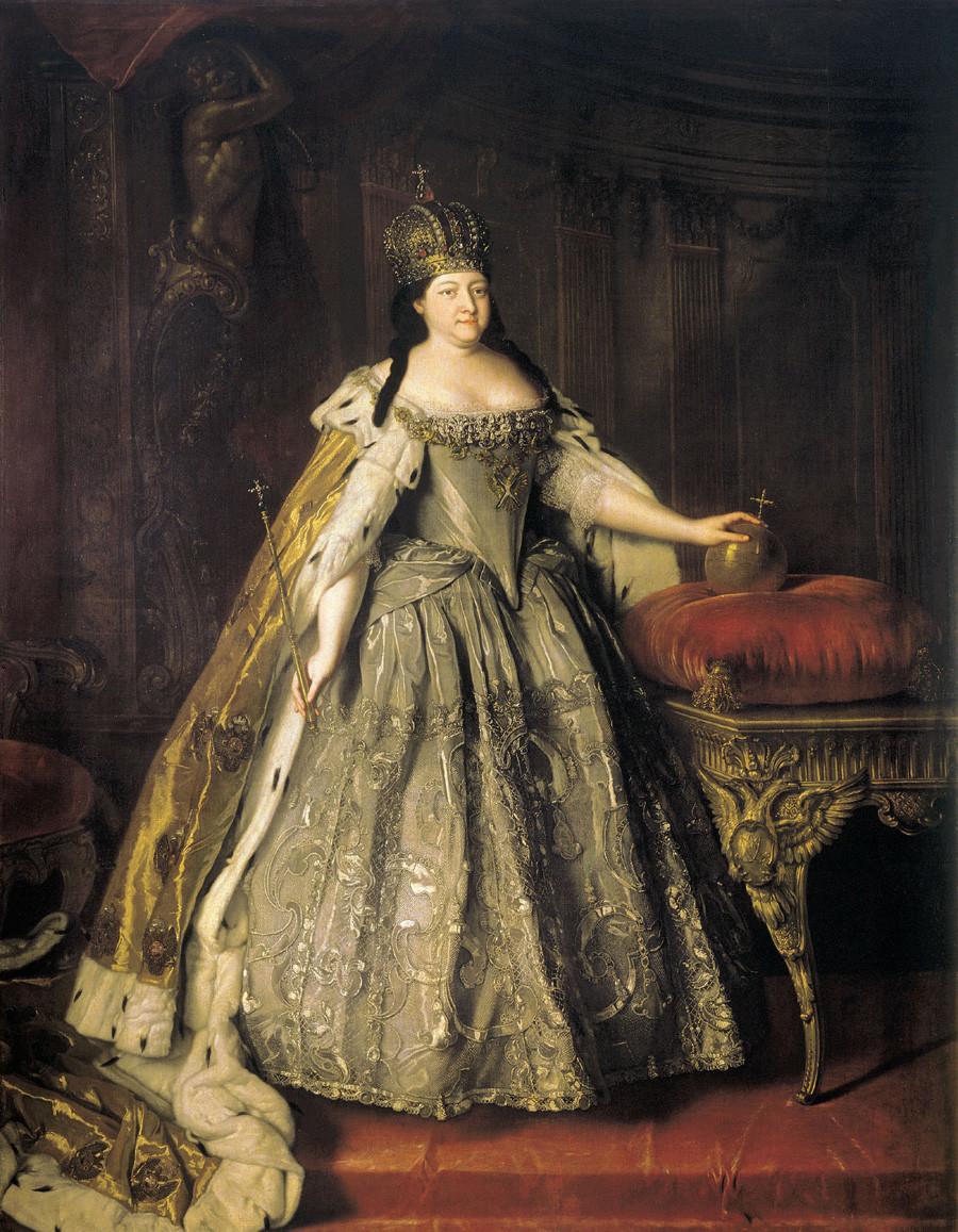 Zarin Anna im Krönungsornat, von Louis Caravaque, 1730