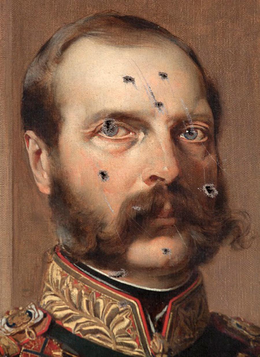 Porträt von Alexander II., der während des Sturms auf den Winterpalast im Oktober 1917 von Bajonetten erstochen wurde.