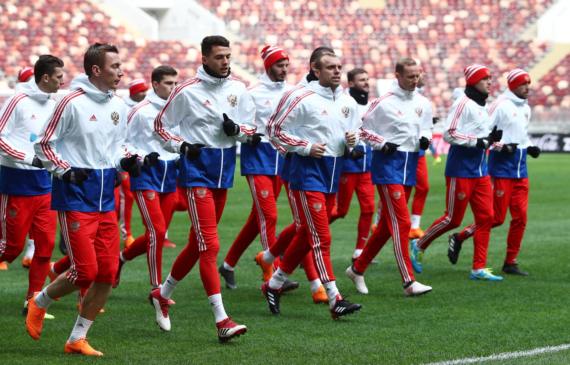 Timans Rusia berlatih sebelum pertandingan persahabatan lawan Brazil, Maret 2018.
