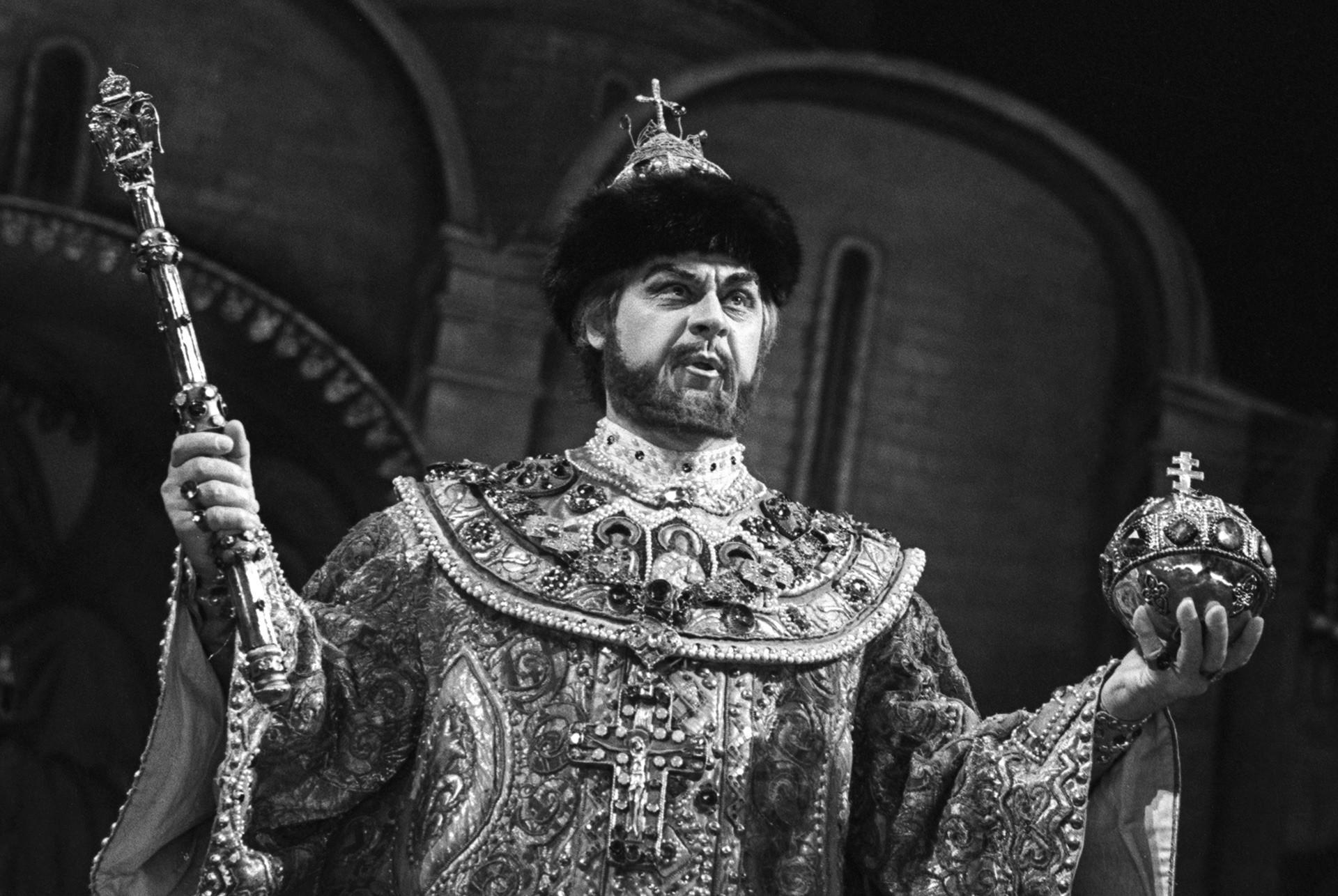 Schauspieler Alexander Ogniwzew als Boris Godunow