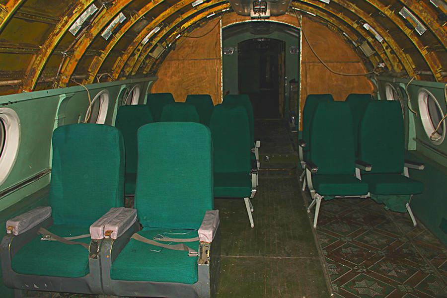 O salão da aeronave. Foto de 2017.
