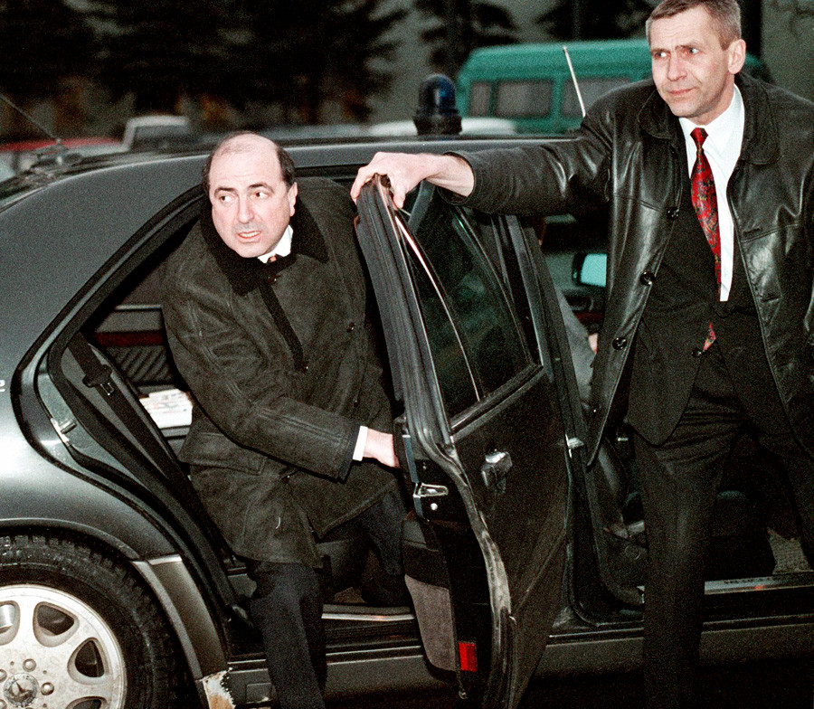 Borís Berezovski (a la izquierda) en 1999.