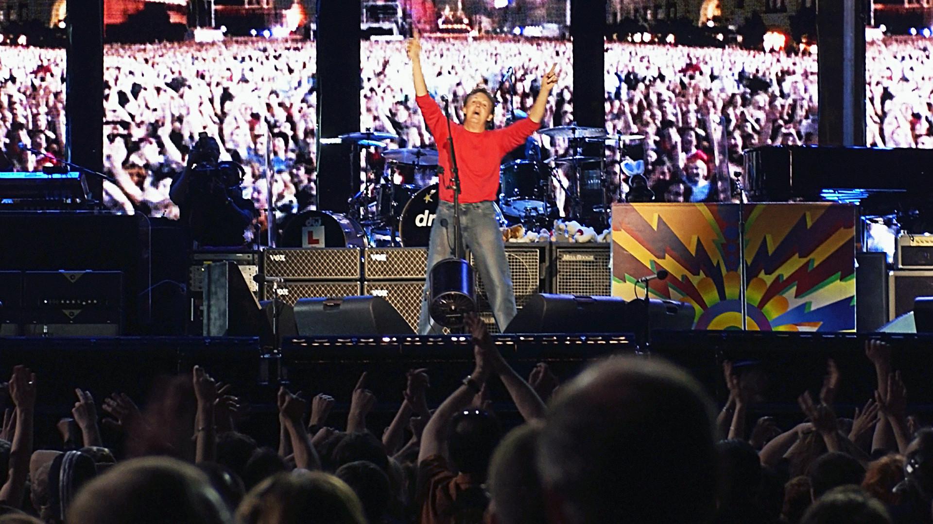 Prvi nastup Paula McCartneyja na moskovskom Crvenom trgu u njegovoj 40-godišnjoj karijeri 2003. godine.