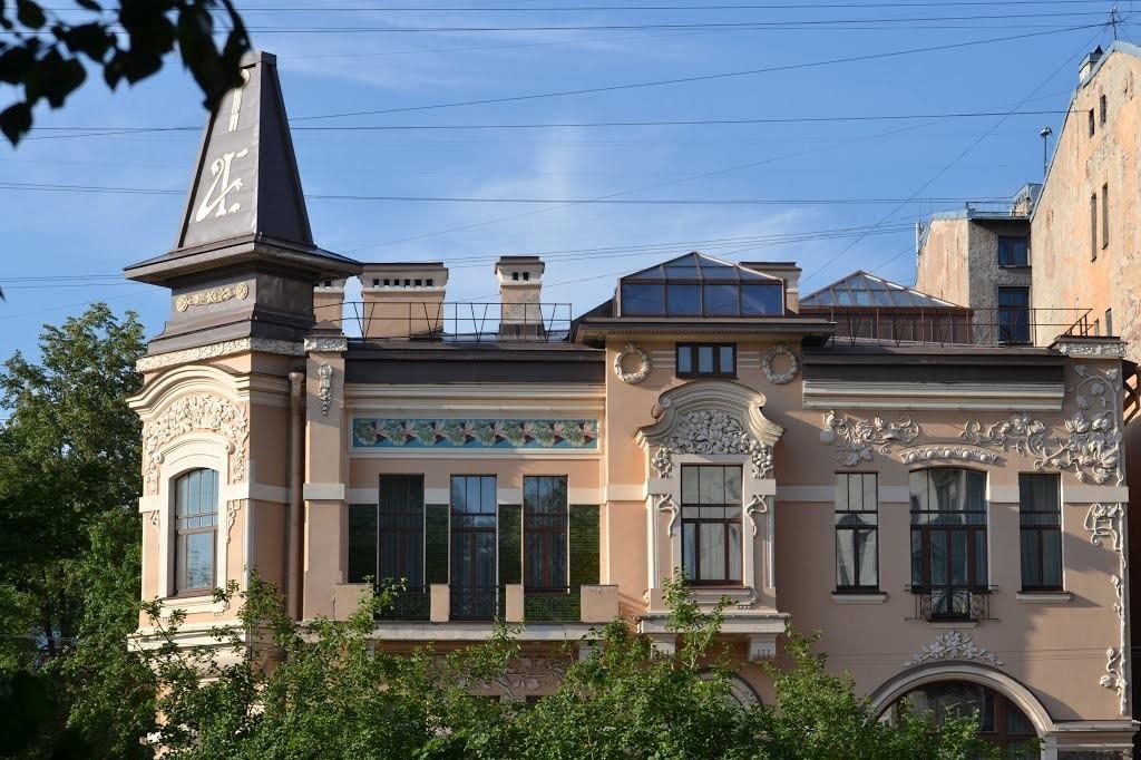Moltschanow-und-Sawina-Villa in Sankt Petersburg