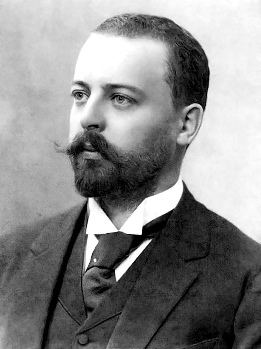Fiódor Schechtel, la estrella más brillante del Art Nouveau moscovita de principios del siglo XX, seguia con gran interés la obra de Antoni Gaudí.