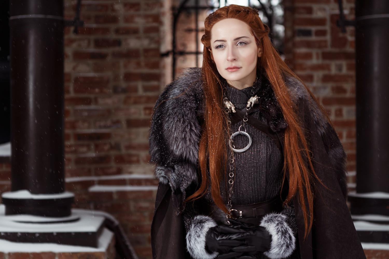 Modelo rusa de cosplay posa como Sansa Stark de 'Juego de ...