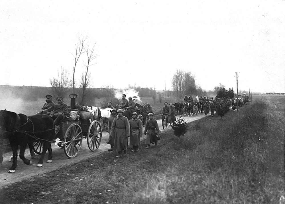 Montée en ligne des deux brigades pour participer à l'offensive de Nivelle en avril 1917, le temps est mauvais, ce qui jouera un rôle important.