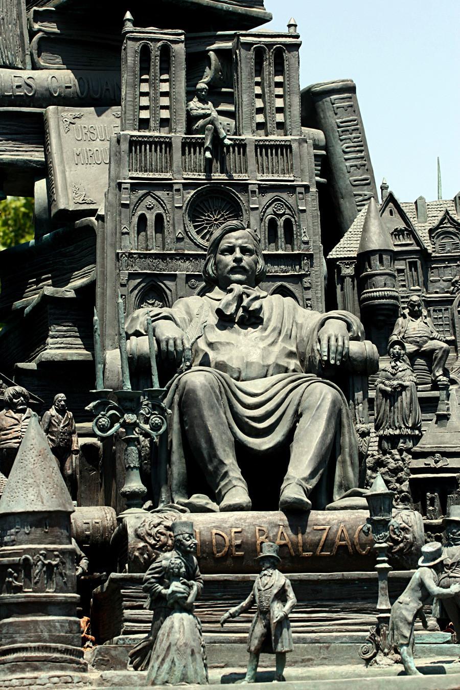 Monumento dedicado a Honoré de Balzac, na França