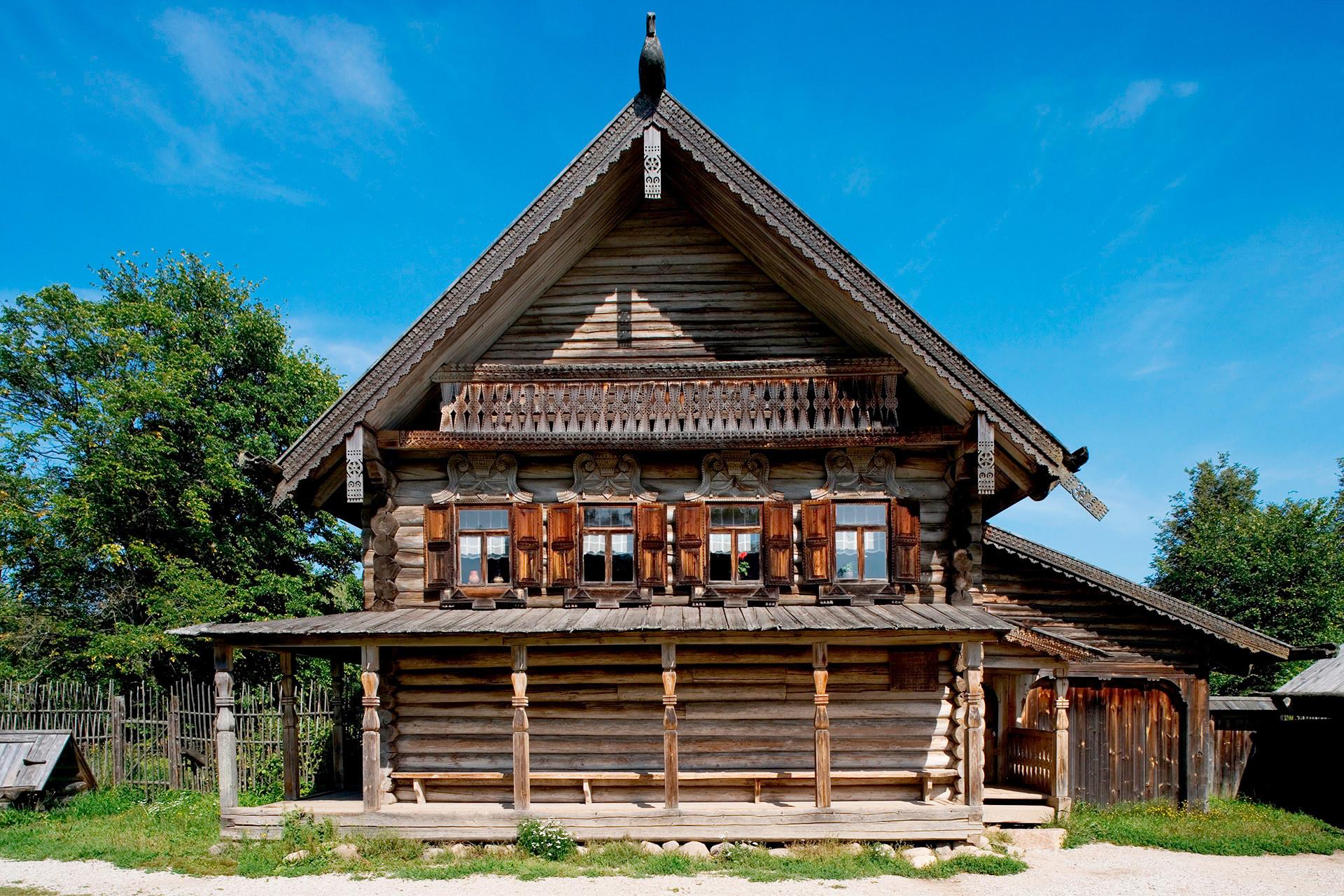 sept types de demeures traditionnelles russes russia beyond fr. Black Bedroom Furniture Sets. Home Design Ideas