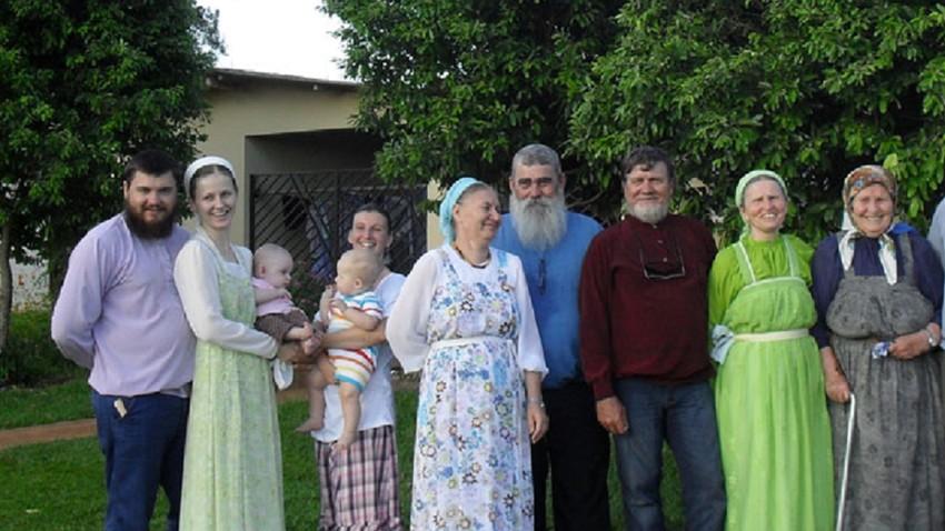Grupo de Velhos Crentes no Estado de Goiás.