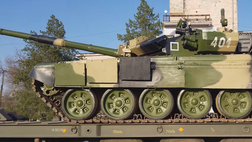 Основният боен танк Т-90.
