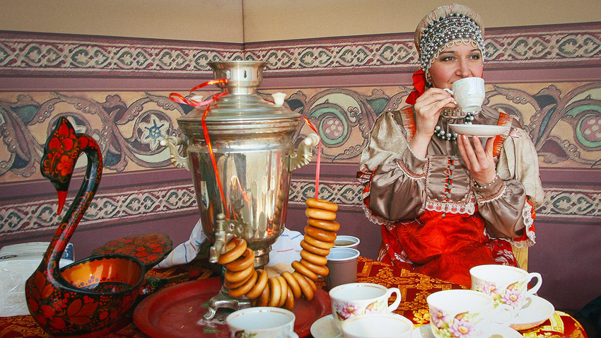 How To Drink Tea Like A Russian In 5 Steps Russia Beyond