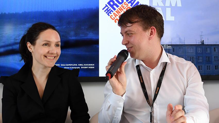 Le réalisateur russe Igor Poplauhin lors d'une conférence de presse au Pavillon russe à Cannes