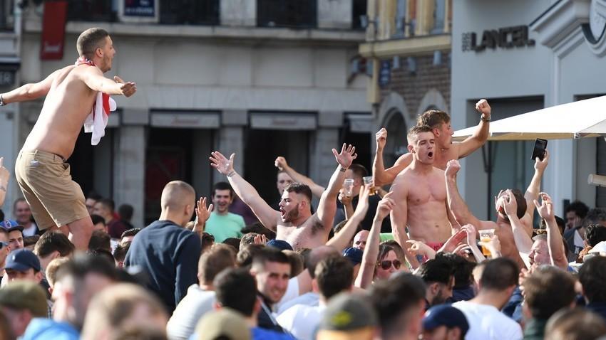 Английски фенове на Европейското първенство по футбол във Франция през 2016 г., Лил.