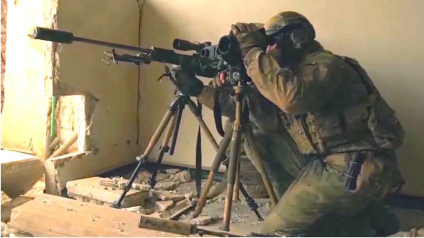 Ostrostrelska ekipa s puško Steyr-Mannlicher SSG 08