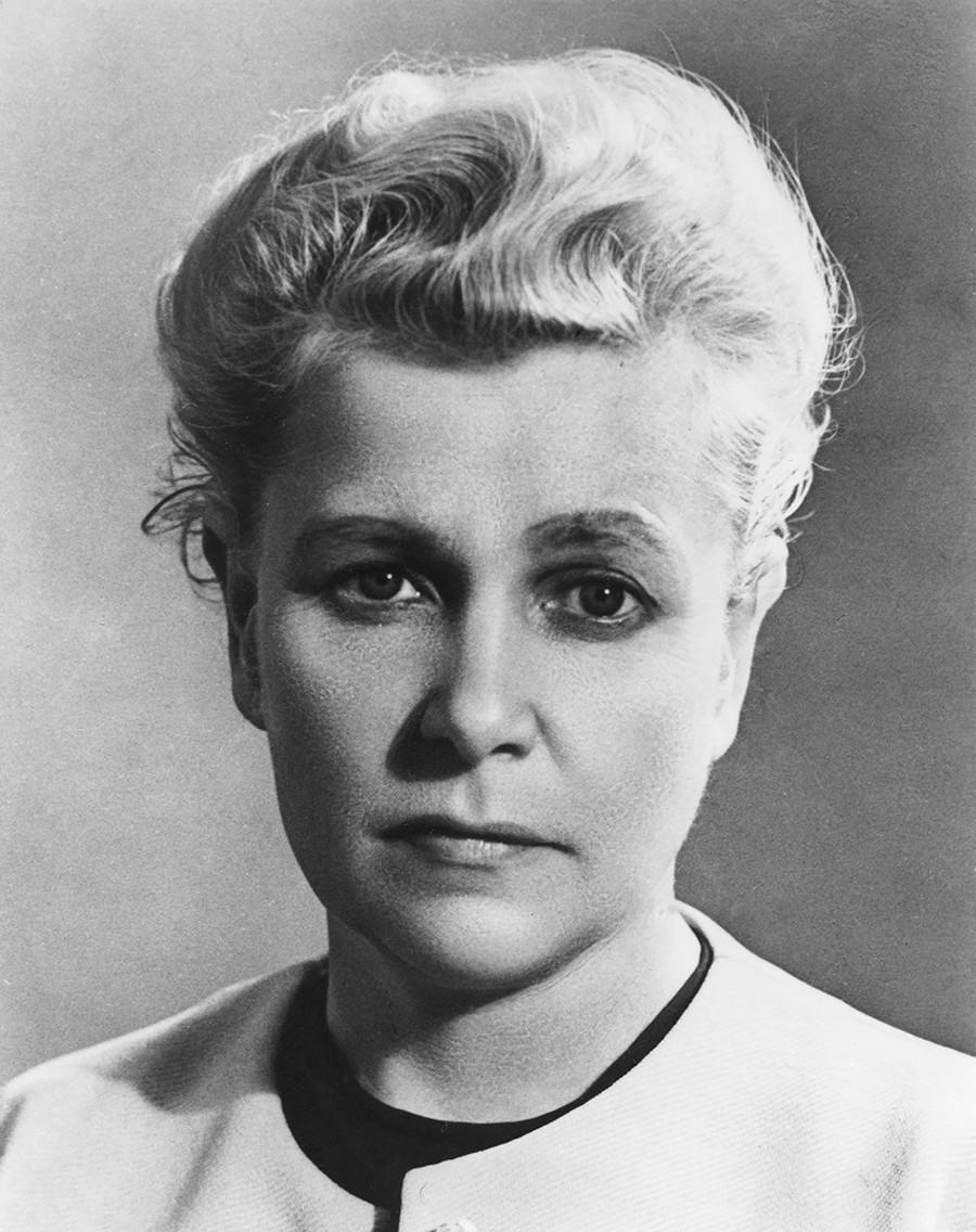 A ministra soviética Ekaterina Furtseva.