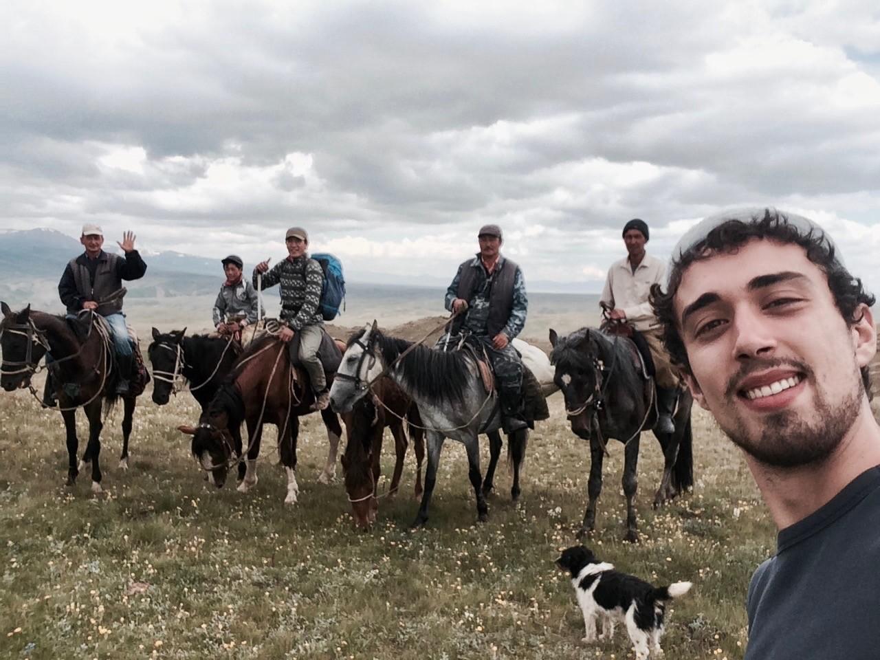 Les rencontres avec les locaux sont la motivation de ces jeunes aventuriers qui souhaitent contribuer, à leur échelle, au rapprochement de la Russie avec l'Occident.