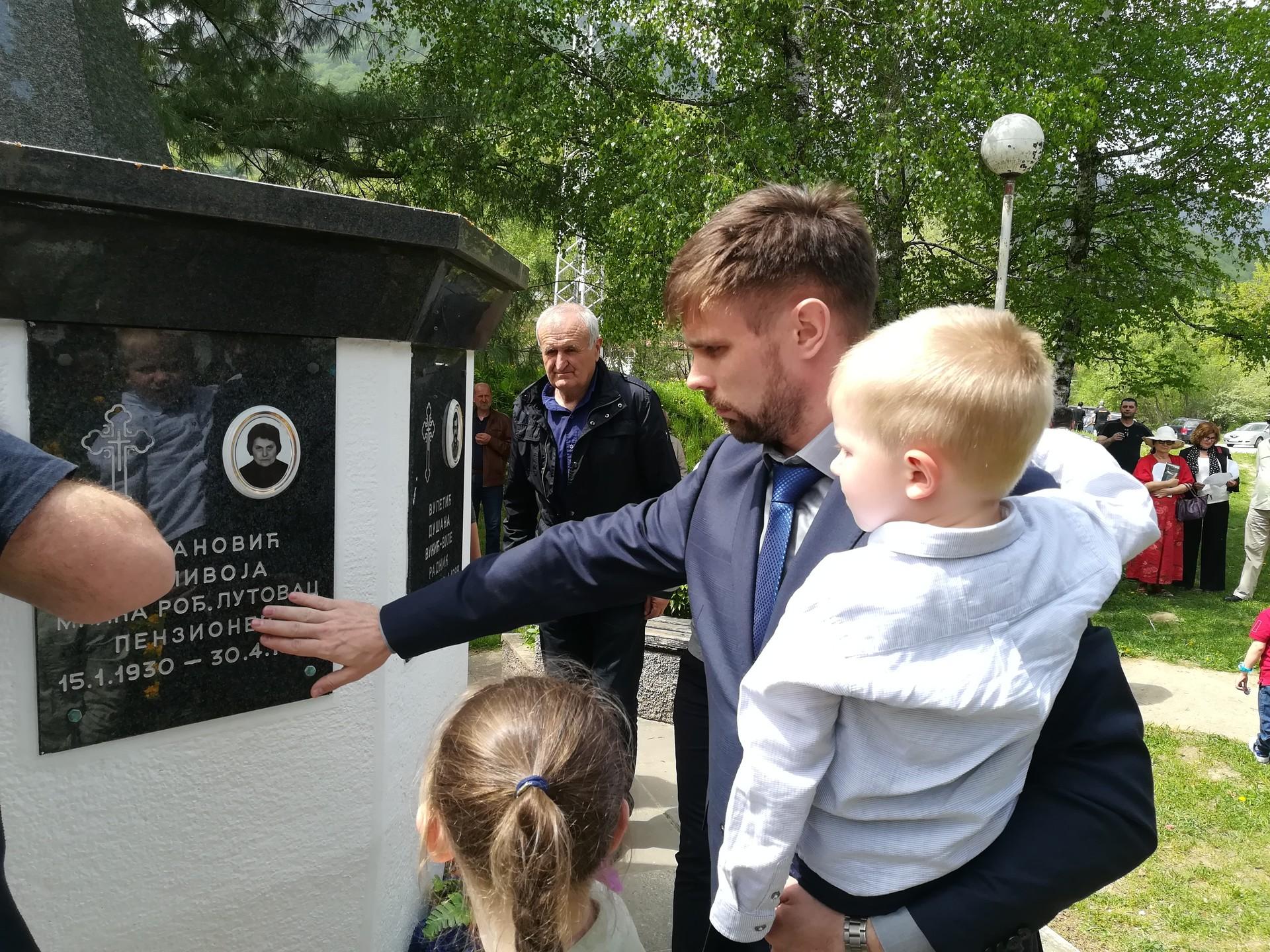 Алексеј Тарковскиј, дипломата из Амбасаде Руске Федерације, са децом у Мурину.