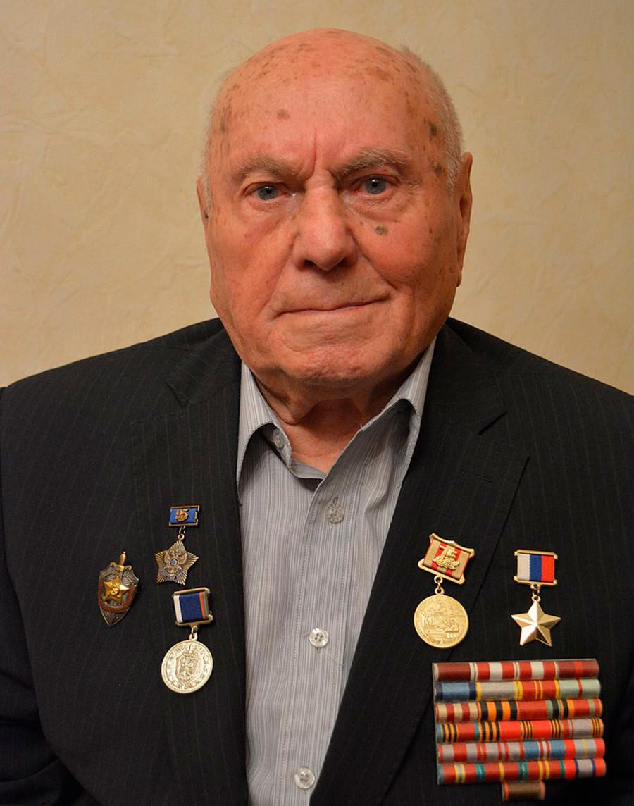 El Coronel Alexéi Botián, una de inspiraciones de la vida real para el Mayor Vórtice, era un oficial de inteligencia de carrera.