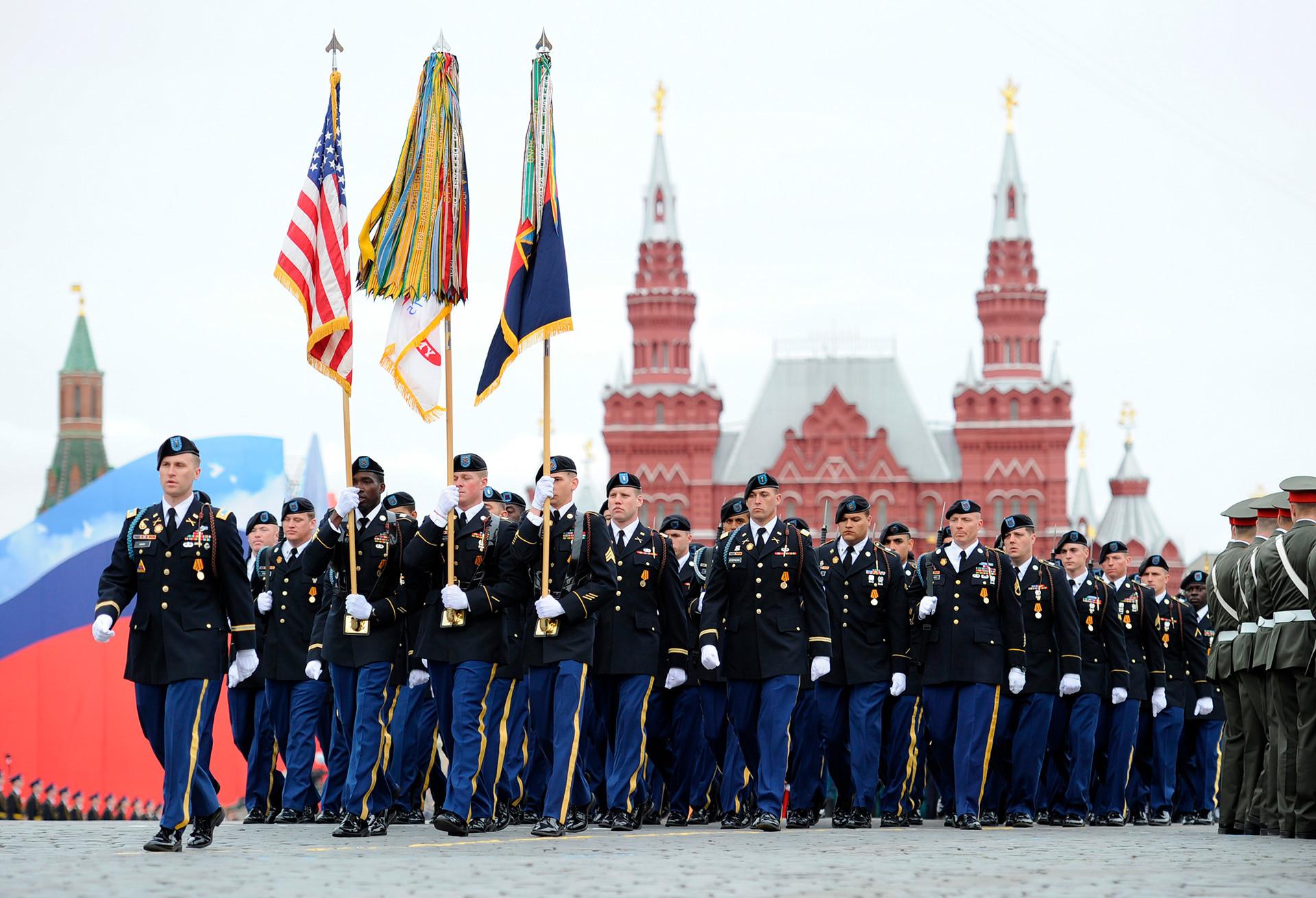Em 2015, dez países enviaram tropas para participar do desfile.
