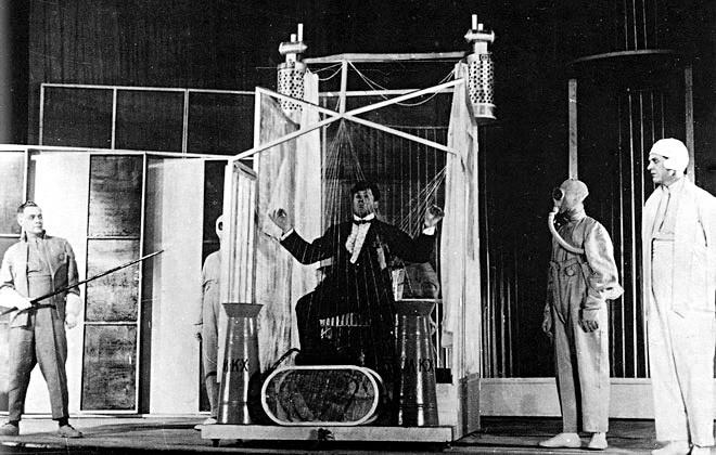 'Mystery Bouffe' in Meyerhold Theater