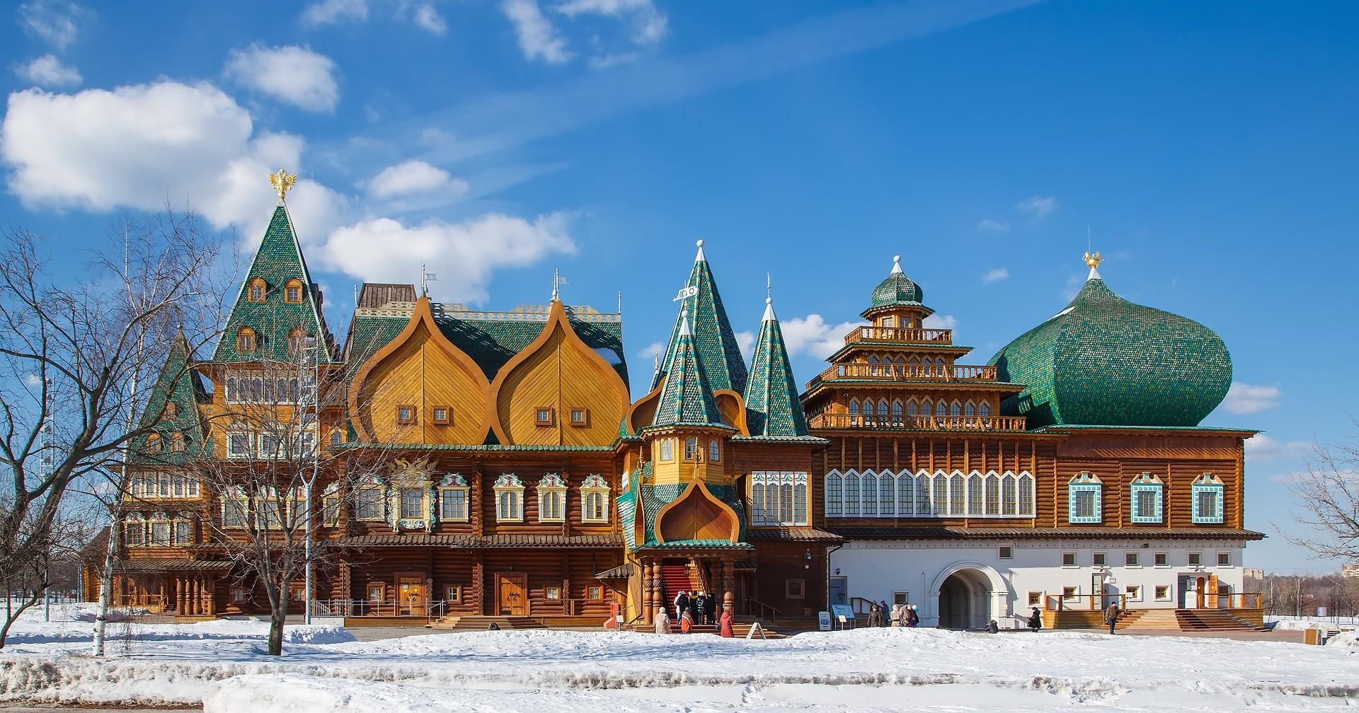 Reconstrucción del palacio de madera de Alexéi Mijáilovich en el parque Kolómenskoye.