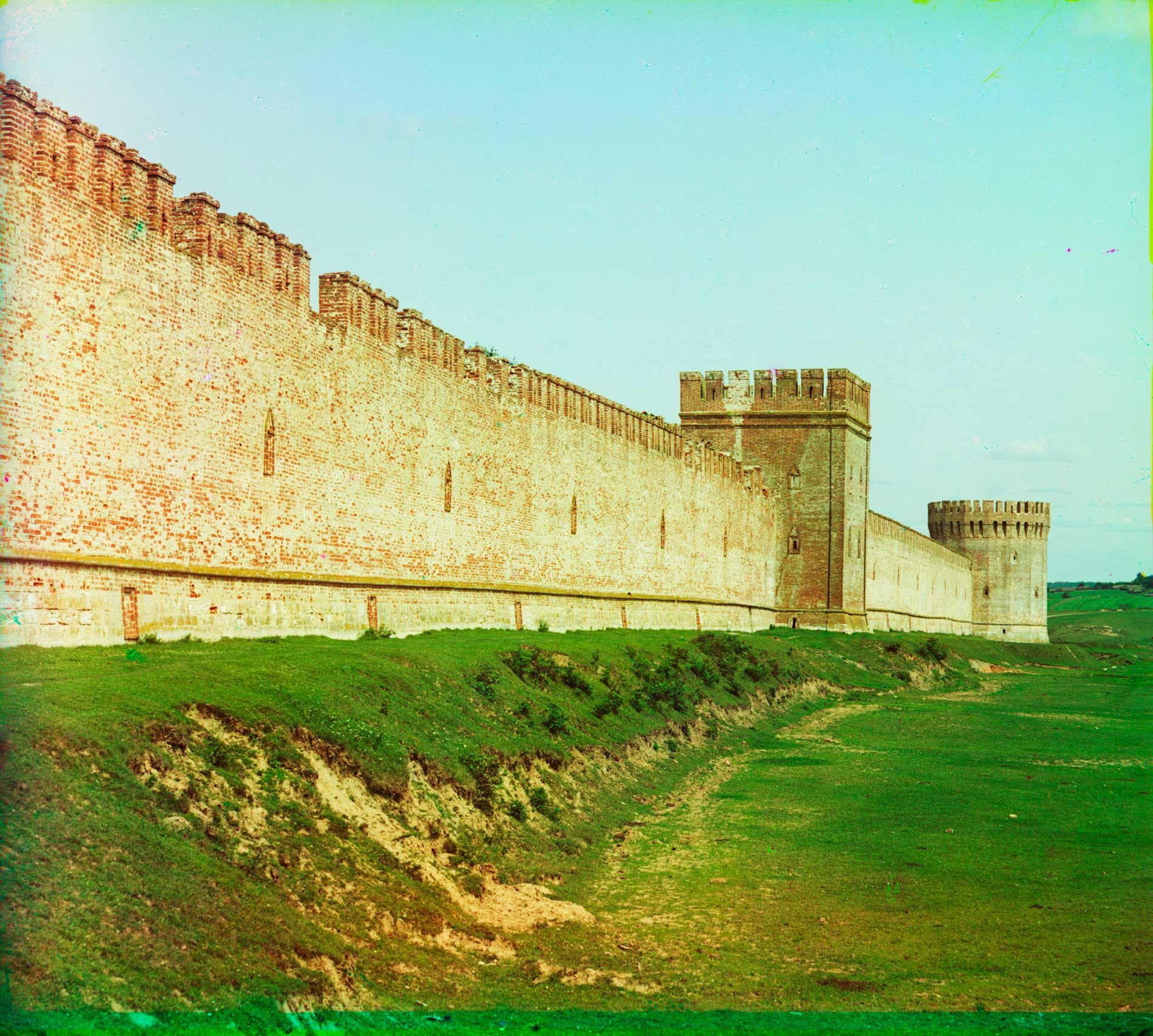 Smolensk citadel. Southeast wall with Voronin and Altar Towers. Summer 1912